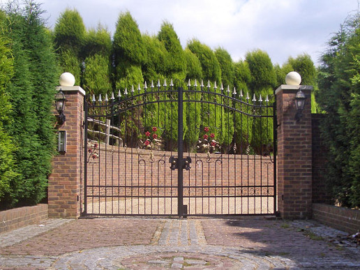 Security Entrance Gates for businesses and homes in Dorset & Hampshire Area